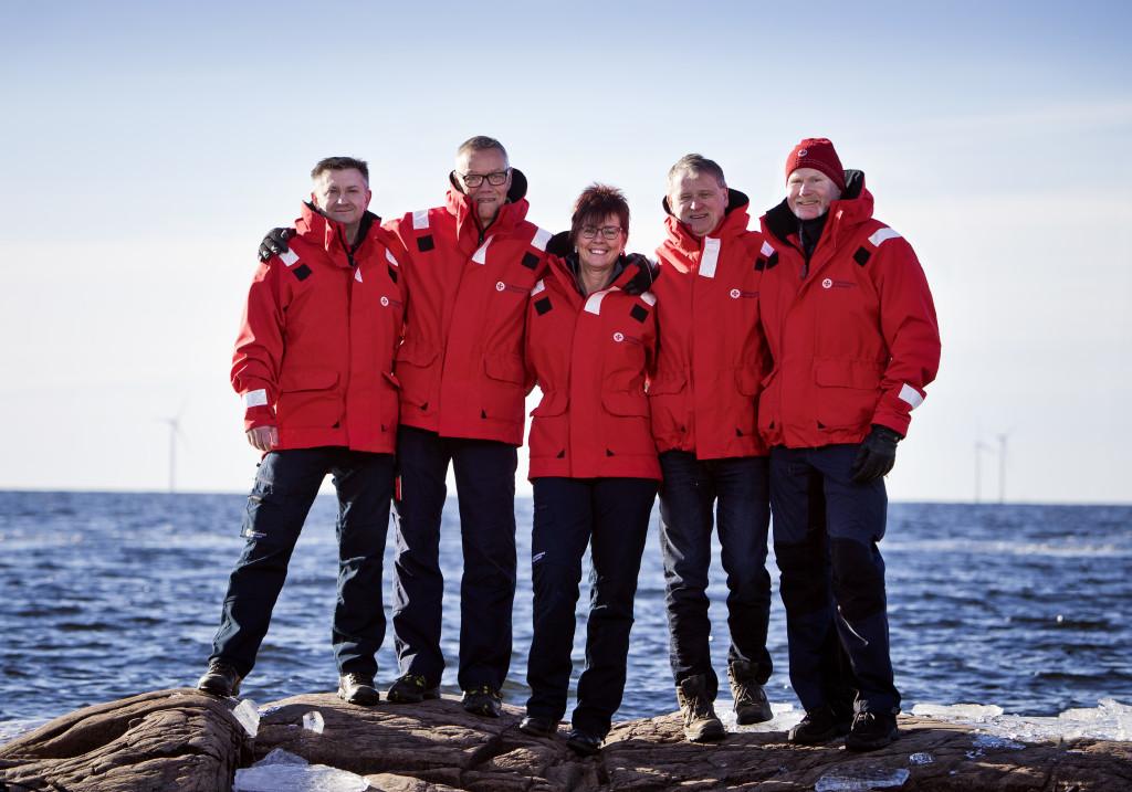 Årets sjöräddare 2016: Robert Selling, Ingemar Jonsson, Anette Morell, Patrick Andersson och Benny Ekström från RS Hammarö. BILD: Øyvind Lund
