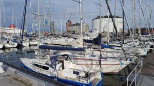 Mindre och större båtar deltar från både öst- och västkusten.