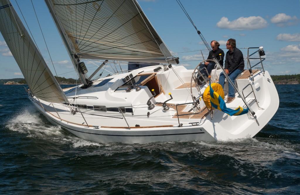 Arcona 340 är varvets minsta båt som visas upp i Gustavsberg den 13 och 14 maj. BILD: Arcona Yachts