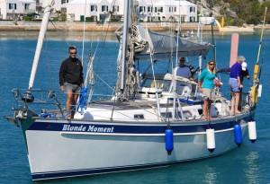 Blonde Moment anländer till Bermuda efter Saras första långsegling.