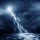 Träffad av blixten i båten