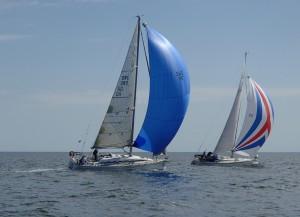 Närkontakt på havet tack vare nära hundra deltagande båtar. BILD: Erik Barkefors