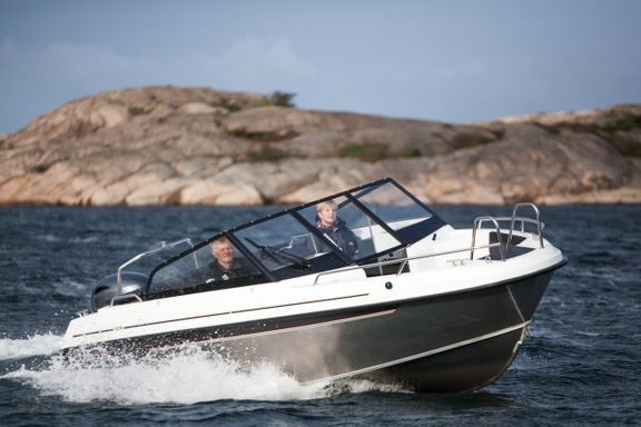 Poppis att hyra båt