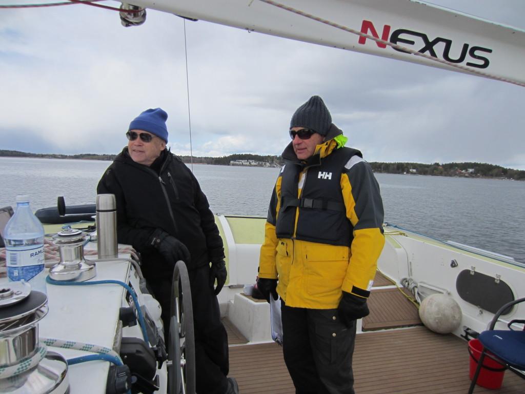 Anders Andermo vid ratten är skeppare ombord och efterlyser frivilliga skeppare till Handicats verksamhet.