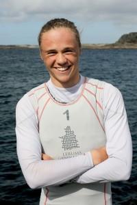 Axel Rahm går på Lerums seglingsgymnasium och seglar vanligtvis Laser Radial efter många år med optimistjolle. BILD: Daniel Stenholm / SSF