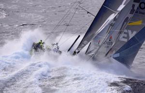 Team Brunel försvinner i vågorna under Volvo Ocean Race 2014/2015. Bilden vann den prestigefulla tävlingen Mirabaud Yacht Racing Image. Foto: Rick Tomlinson
