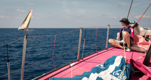 Sara ombord på VO65:an SCA. BILD: Corinna Halloran