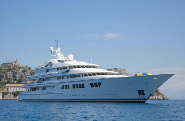 Superyacht för 500 miljoner dollar