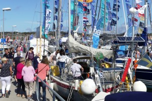 Familjen Vebers båt får stor uppmärksamhet under helgen