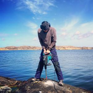 Första hålet för en ny naturhamn utanför Bovallstrand. Bild: Peter Junermark