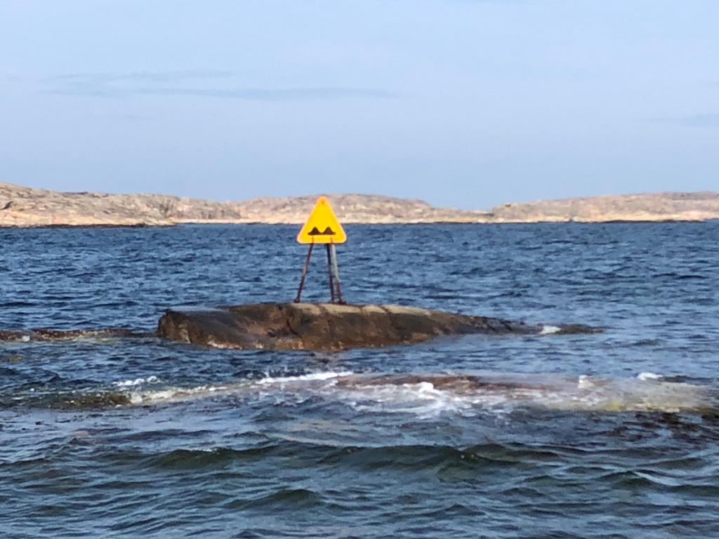 Bumpy sea ahead! Eller varning för grynnan vid Taregrundet väster om Galgeberget? Bild: Peter Junermark