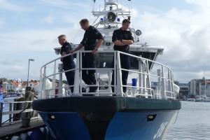 Kustbevakningen visar upp sin båt och verksamhet under mässan.