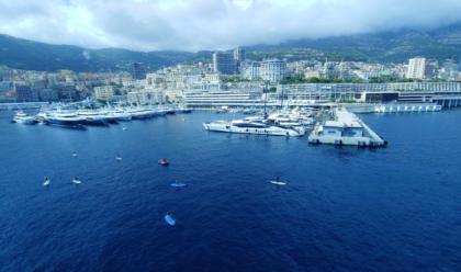 Lyxig båtmässa på franska Rivieran