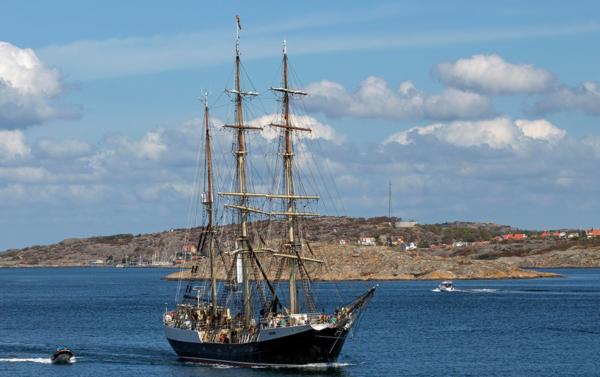 Gymnasieklass får segla hem över Atlanten