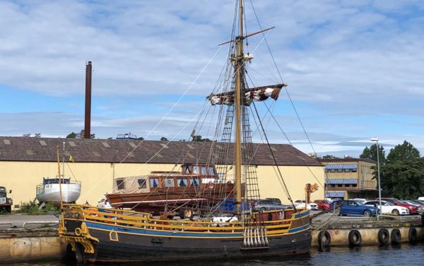 Unik rekonstruerad segelbåt på auktion