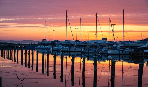 Förslag om färre båthamnar väcker diskussion