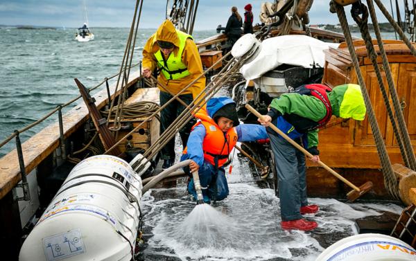 Kryssarklubben ger unga chans att prova på båtlivet
